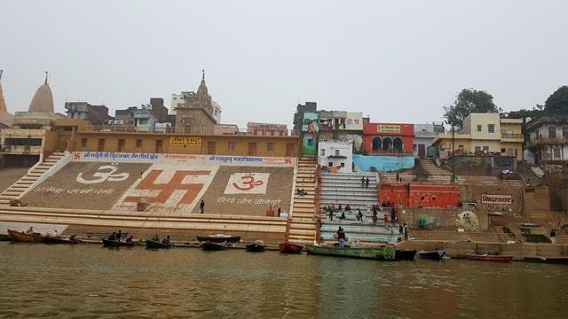 बनारस में घूमने जाने वाली जगह जैन घाट – Banaras Me Ghumne Jane Wali Jagah Jain Ghat In Hindi