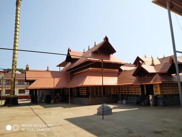 मैंगलोर का दर्शनीय स्थल पोलाली राजराजेश्वरी मंदिर - Mangalore Ka Darshaniya Sthal Polali Rajarajeshwari Temple In Hindi