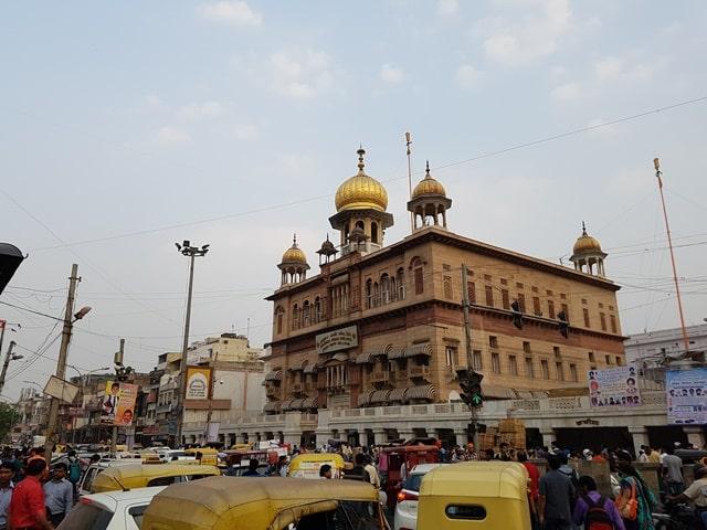 चांदनी चौक में फेमस गुरुद्वारा सिस गंज साहिब - Chandni Chowk Mein Famous Gurudwara Sis Ganj Sahib In Hindi