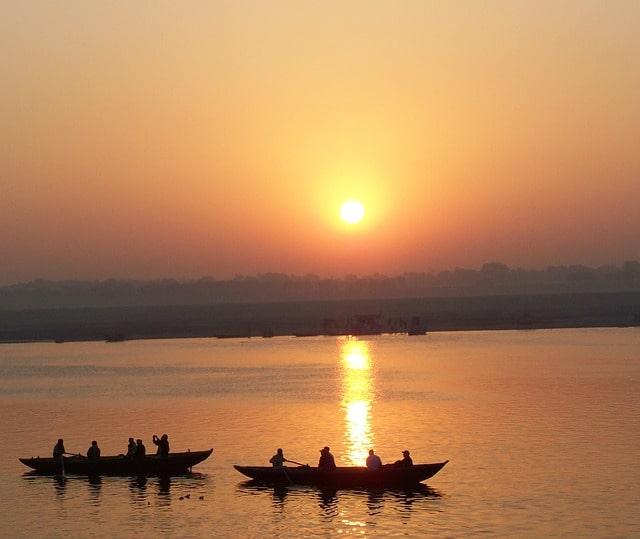 वाराणसी के मशहूर पर्यटन स्थल राजा घाट – Varanasi Ke Mashur Paryatan Sthal Raja Ghat In Hindi