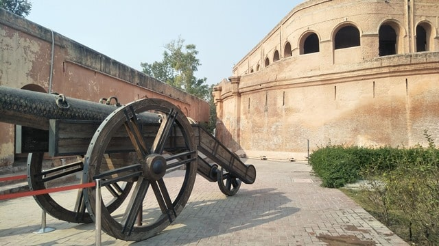 अमृतसर में देखने वाली जगह भटिंडा किला - Amritsar Me Dekhne Vali Jagah Bathinda Fort Amritsar In Hindi http://www.worldcreativities.com