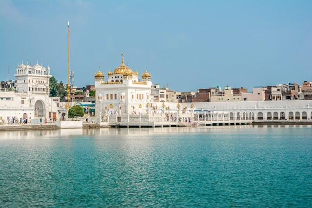 अमृतसर का पर्यटन श्री तरनतारन साहिब गुरुद्वारा - Amritsar Tourism Me Gurdwara Sri Tarn Taran Sahib In Hindi http://www.worldcreativities.com