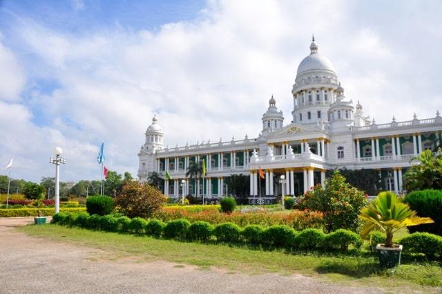 मैसूर का टूरिस्ट प्लेस जगनमोहन पैलेस - Mysore Tourist Place Jaganmohan Palace In Hindi