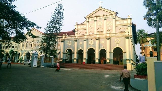 सेंट अलॉयसियस चैपल मैंगलोर का फेमस चर्च - St.Aloysius Chapel Mangalore Ka Mashoor Church In Hindi