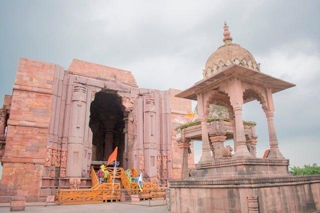 भोपाल के पास प्रमुख धार्मिक स्थल भोजपुर मंदिर - Bhopal Ke Pass Pramukh Dharmik Sthal Bhojpur Mandir In Hindi