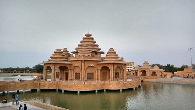 अमृतसर का दर्शनीय स्थल श्री राम तीर्थ मंदिर - Amritsar Ka Darshaniya Sthal Shri Ram Tirath Temple In Hindi http://www.worldcreativities.com