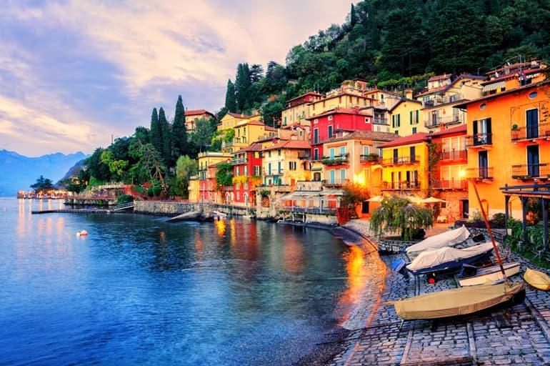 इटली पर्यटन में घूमने वाली जगह कोमो झील