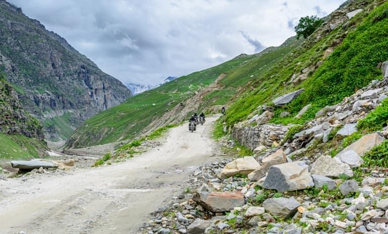 स्पीति में माउंटेन बाइकिंग