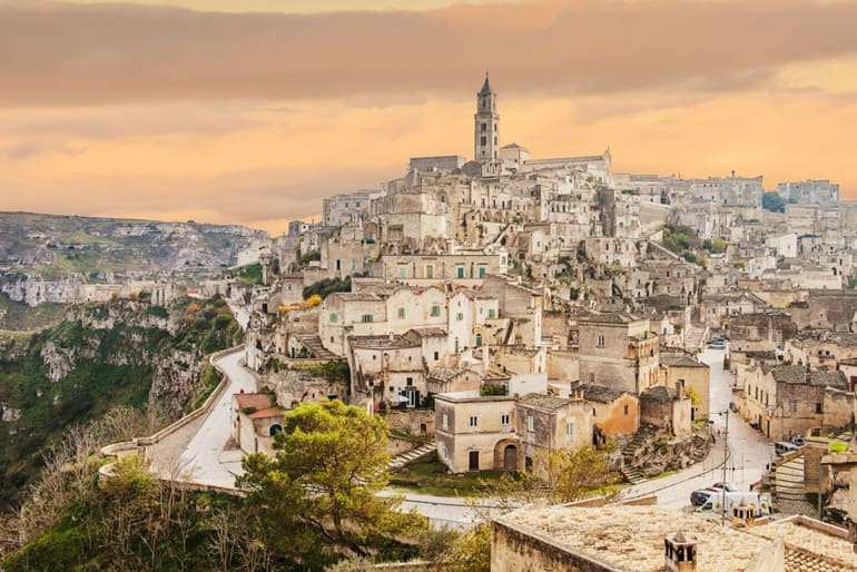 इटली का दर्शनीय स्थल सस्सी दी मटेरा