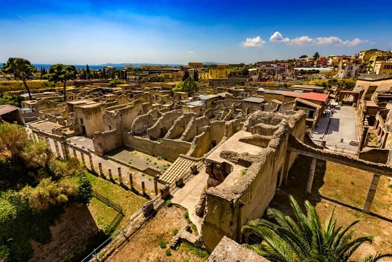 इटली टूरिज्म में घूमने लायक जगह हरकुलेनियम शहर