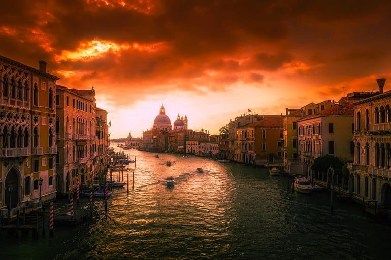 वेनिस सिटी का रात्रि जीवन