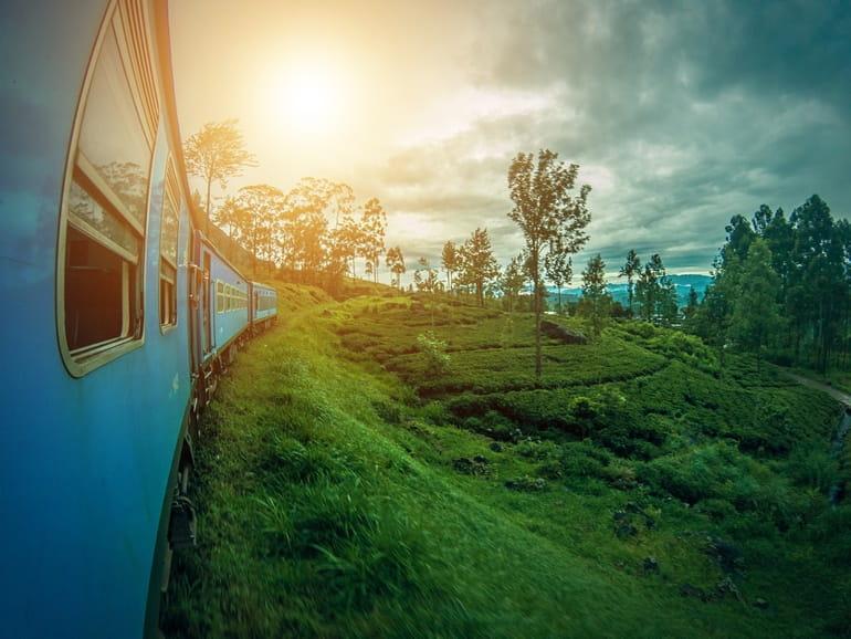 ट्रेन से त्रिलोकनाथ मंदिर तक कैसे पहुंचे