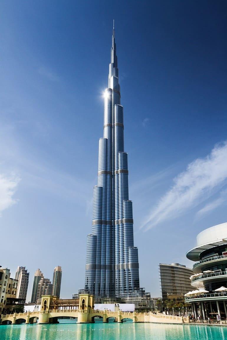 दुनिया की सबसे बड़ी इमारत कहाँ है