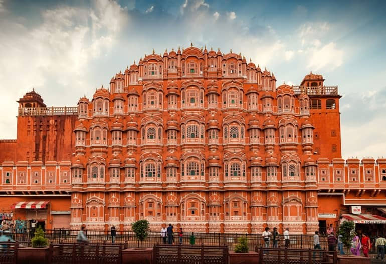 राजस्थान में पांच हज़ार रुपये से कम में घूमने की जगह जयपुर
