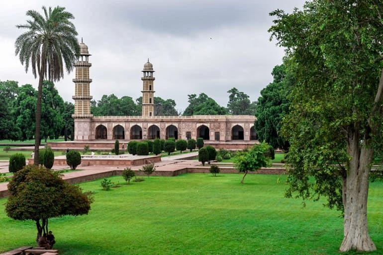 जहांगीर का मकबरा के बारे में पूरी जानकारी - Jahangir Tomb In Hindi