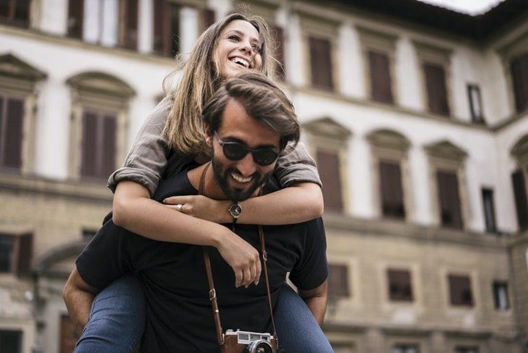 अपनी गर्लफ्रेंड या प्रेमिका को जरूर ले जाएं इन 5 खूबसूरत जगहों पर