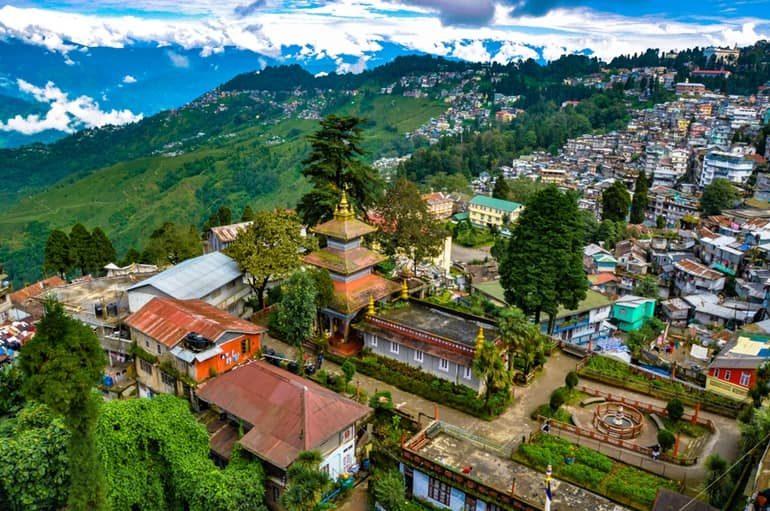 दार्जिलिंग के टॉप पर्यटन और दर्शनीय स्थल की जानकारी - Darjeeling Tourism In Hindi