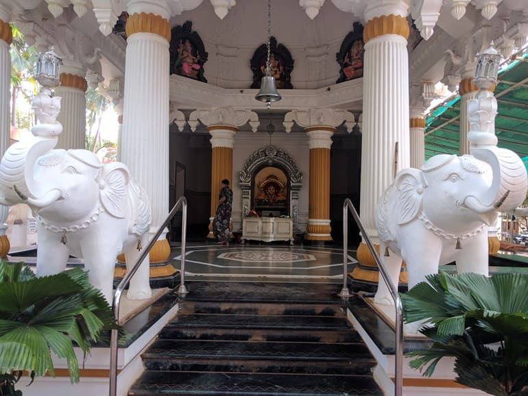 विजयदुर्ग किले मालवण में घूमने लायक जगह जय गणेश मंदिर