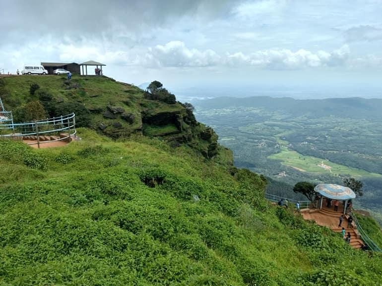 चिकमगलूर का मशहूर पर्यटन स्थल बाबा बुदन की पहाड़ी