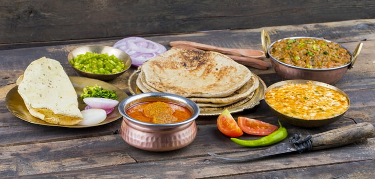 यमुनोत्री धाम के पास खान के लिए स्थानीय भोजन