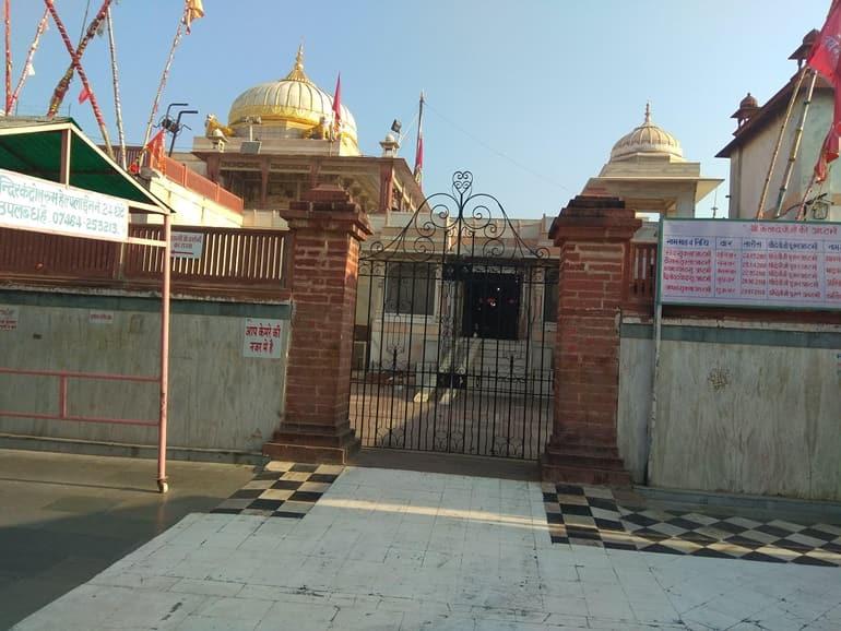 कैला देवी मंदिर खुलने व बंद होने का समय
