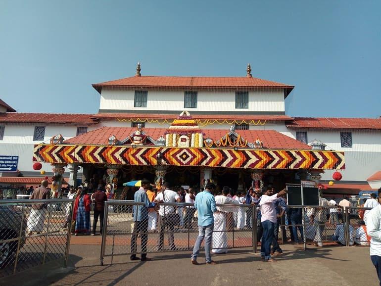 मुफ्त में स्वादिष्ट खाना खाए धर्मथला मंजुनाथ मंदिर, कर्नाटक