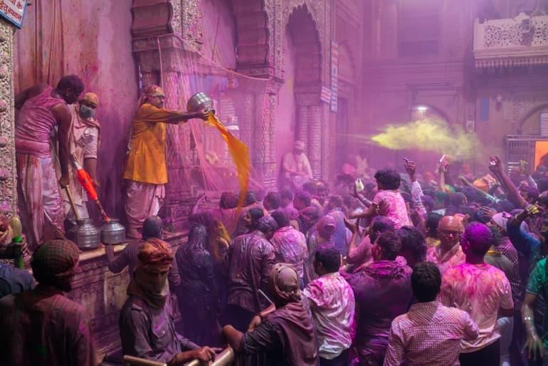 मदन मोहन मंदिर करौली में दैनिक पूजा और उत्सव