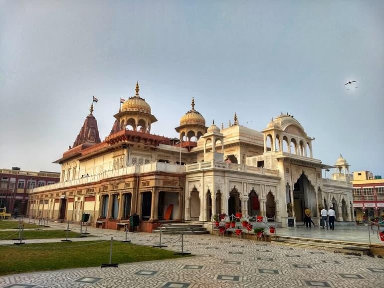 करौली के दर्शनीय स्थल श्री महावीरजी जैन मंदिर
