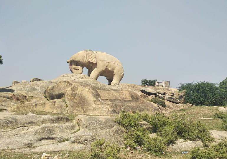 टोंक के पर्यटन स्थल हाथी भाटा