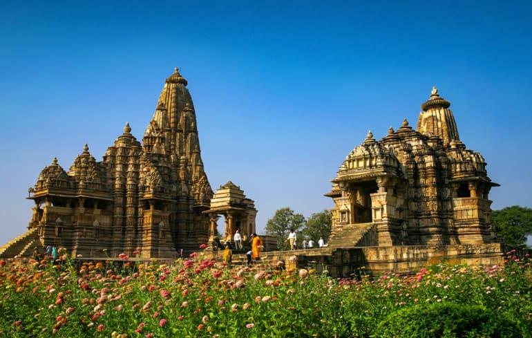 सर्दियों में घूमने के लिए भारत में प्रसिद्ध पर्यटन स्थल खजुराहो