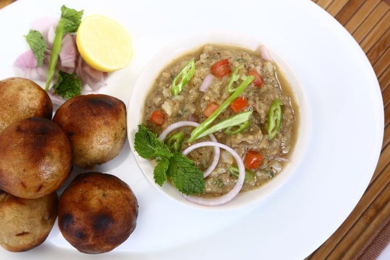 भरहुत स्तूप सतना में खाने के लिए स्थानीय भोजन