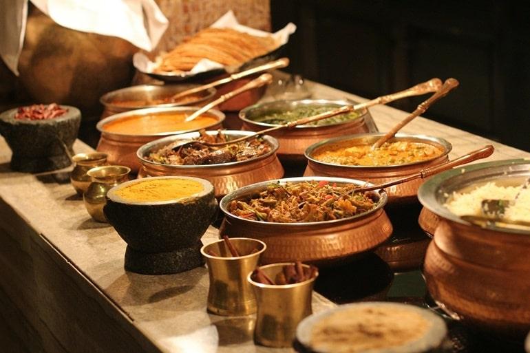 भीमाशंकर मंदिर के पास खाने के लिए स्थानीय भोजन