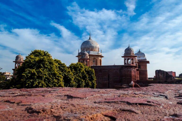शेख चिल्ली का मकबरा कुरुक्षेत्र और इसके प्रमुख पर्यटन स्थल - Sheikh Chilli Tomb In Hindi