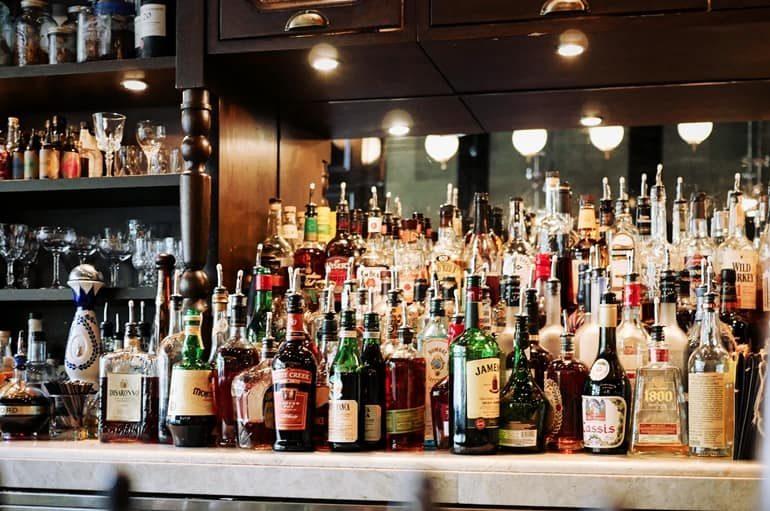 दुनिया के इन देशों में मिलती है सबसे सस्ती शराब, भारत भी है लिस्ट में शामिल - Where Is Alcohol Cheapest In The World In Hindi