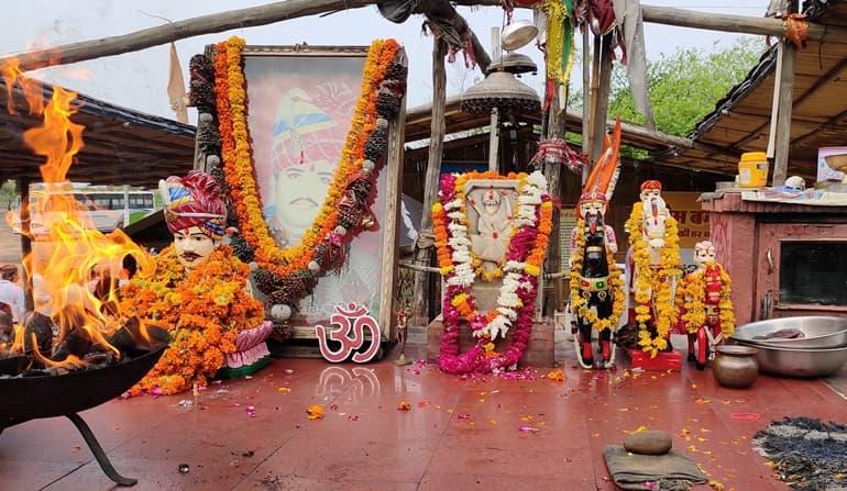 ओम बन्ना मंदिर