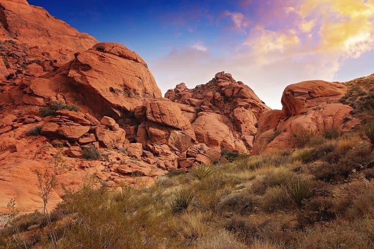 लास वेगास का प्रमुख पर्यटन स्थल लाल रॉक घाटी