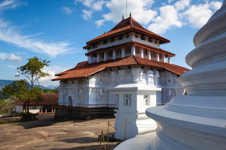 कैंडी का ऐतिहासिक स्थान लंका तिलक मंदिर