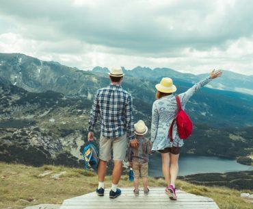 परिवार के साथ छुट्टियाँ मनाने के लिए टॉप 10 फैमिली डेस्टिनेशंस - Best Family Vacation Destinations In Hindi
