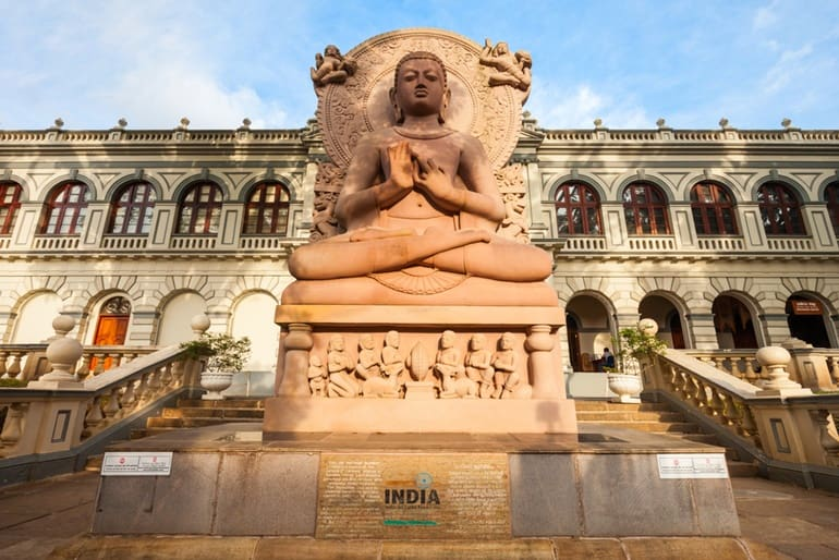 कैंडी का फेमस टूरिस्ट प्लेस विश्व बौद्ध संग्रहालय