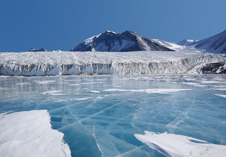 अंटार्कटिका में देखने लायक खुबसूरत जगह दक्षिण शेटलैंड द्वीप