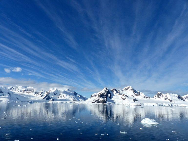 अंटार्कटिका का प्रमुख दर्शनीय स्थल फ़ॉकलैंड आइलैंड