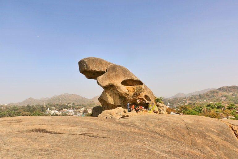 माउंट आबू के टॉड रॉक घूमने की जानकारी - Toad Rock In Hindi