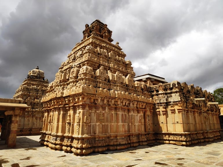 नंदी हिल्स पर घूमने के लिए ऐतिहासिक मंदिर भोगा नन्दीश्वर मंदिर