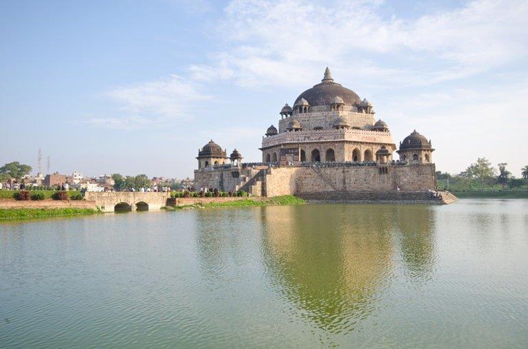 बिहार में देखने लायक प्राचीन जगह शेर शाह सूरी टॉम्ब सासाराम बिहार