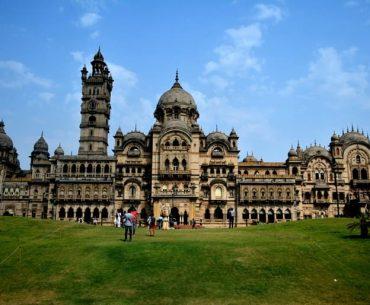 लक्ष्मी विलास पैलेस वडोदरा घूमने की पूरी जानकारी - Laxmi Vilas Palace In Hindi