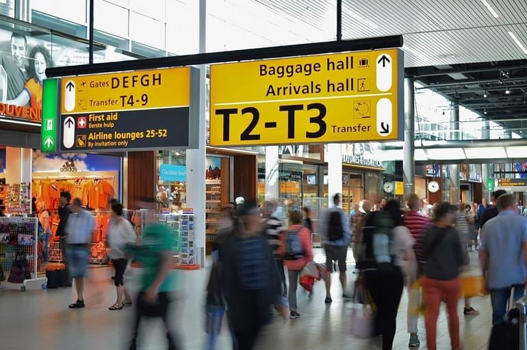 एयरपोर्ट पर लाइनों से कैसे बचें