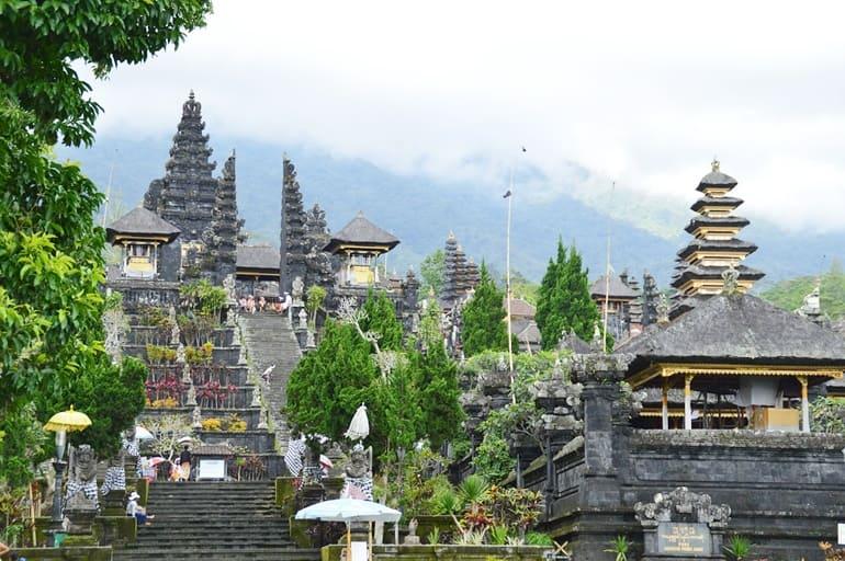 बाली के दर्शनीय स्थल बैसाखी मंदिर