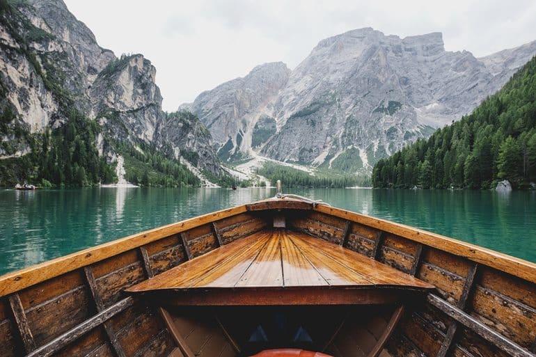 भोवाली की यात्रा के प्रसिद्ध पर्यटन स्थल भीमताल