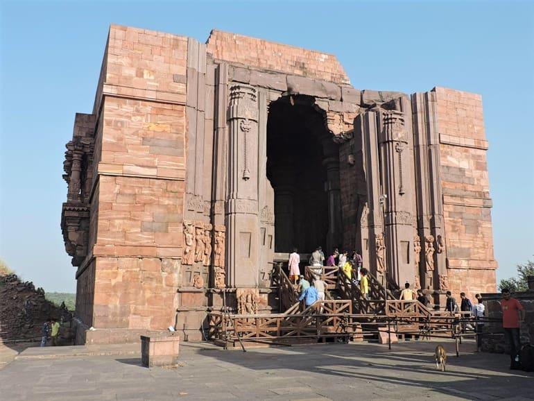 भोजपुर मंदिर में प्रवेश शुल्क