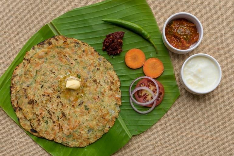 भारत के कर्नाटक राज्य की प्रसिद्ध खाना अक्की रोटी